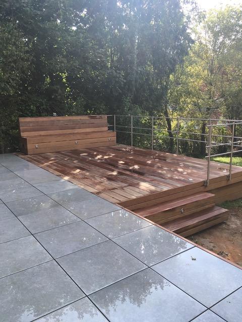 terrasse en bois et dalles flottantes isodecor. Black Bedroom Furniture Sets. Home Design Ideas